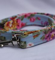 Blue Dog Lead with pink country flowers