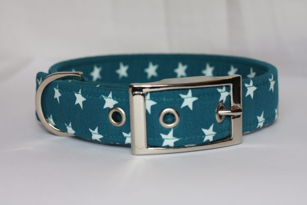 Small Stars On Teal Dog Collar